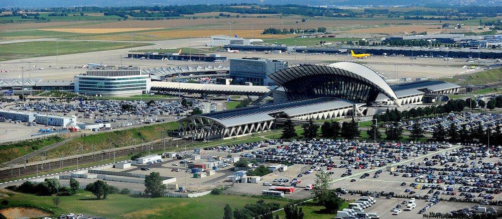 Parking a aéroport LYS